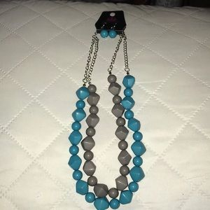 Blue and grey layered necklace w blue earrings